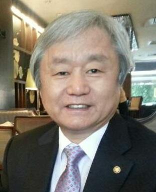 강창익 회장님 얼굴사진.jpg
